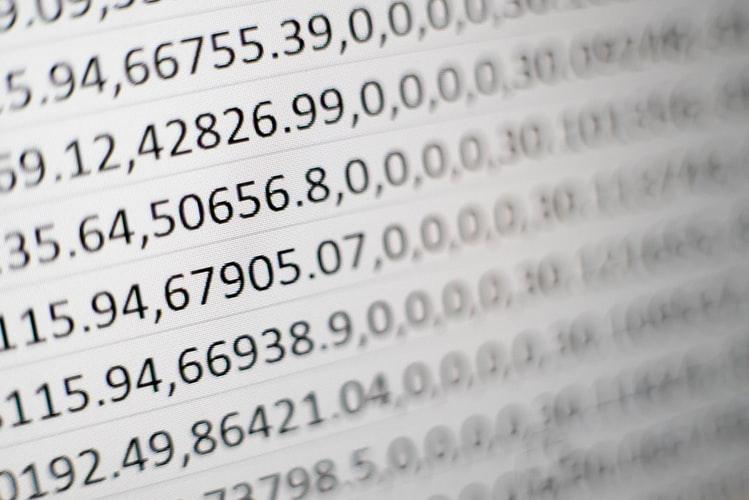 tela de computador com sequência de números